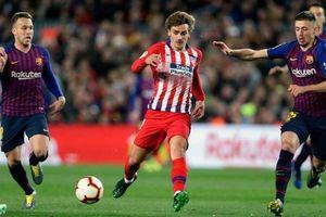 Atletico Madrid 'nhờ' FIFA đến đòi nợ Barcelona
