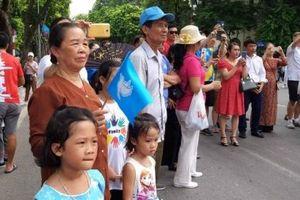 Người dân và du khách quốc tế hào hứng với 'Ngày hội vì hòa bình'