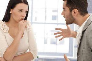 Phụ nữ dại mồm dại miệng, chồng yêu đến mấy cũng có lúc bị 'ăn đấm'