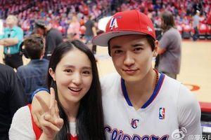 Khán giả mừng khi Đổng Tuyền ly hôn người chồng bị cáo buộc cưỡng dâm