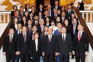 Thủ tướng Nguyễn Xuân Phúc tiếp đoàn doanh nghiệp Xin-ga-po
