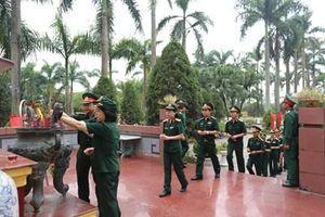 Bệnh viện 354 dâng hương tưởng niệm các anh hùng, liệt sĩ