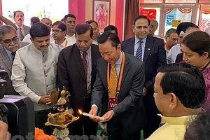 Doanh nghiệp Việt Nam tìm kiếm cơ hội hợp tác tại Hội chợ tơ lụa quốc tế Ấn Độ