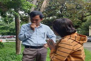 Một Việt kiều đòi bồi thường 56.000 USD vì bị mổ mắt hỏng