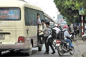 Hà Nội: Rà soát, dẹp bỏ các hàng quán ven đường xung quanh các khu vực bến xe