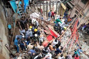 Sập nhà 4 tầng tại Mumbai, ít nhất 50 người mắc kẹt
