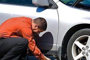 Cách tự thay lốp xe ô tô dự phòng tài xế Việt nên biết