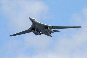 Máy bay ném bom Tu-160 của Nga bay qua biển Baltic