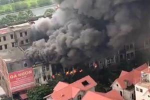 Hà Nội: Cháy lớn trước Thiên đường Bảo sơn, nhiều căn biệt thự bị thiêu