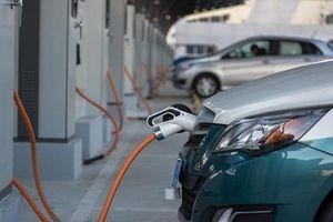 Bùng nổ ôtô điện: Cuộc cách mạng giao thông mới?