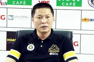 HLV Chu Đình Nghiêm xin lỗi vì có hành vi không đẹp với trọng tài