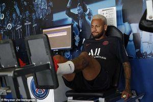 Nổi loạn không thành công, Neymar trở lại hội quân với PSG
