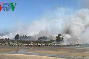 Dập tắt đám cháy lớn trên bán đảo Sơn Trà