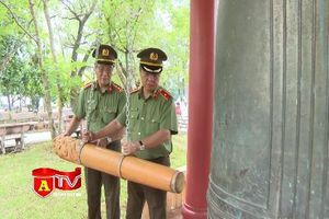 CATP Hà Nội khắc ghi công ơn của những anh hùng, thương binh, liệt sỹ