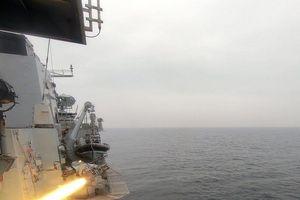 Anh thử nghiệm tên lửa tấn công tàu nhỏ giữa căng thẳng Iran