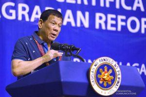 TT Duterte hô hào Mỹ điều Hạm đội 7 đối mặt TQ: 'Tôi sẽ lên tàu'