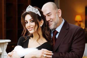 Truyền thông Malaysia đưa tin cựu vương đã ly hôn với hoa hậu Nga