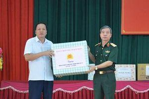 Lãnh đạo Tổng cục Chính trị thăm, tặng quà Trung tâm Điều dưỡng người có công tỉnh Phú Thọ