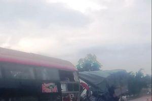 Xe khách và xe tải tông trực diện, 2 tài xế tử vong