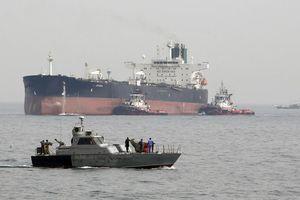Tàu dầu mất tín hiệu tại vùng Vịnh, Iran nói 'đang hỗ trợ'
