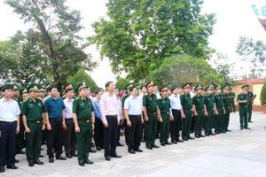 Trưởng ban tổ chức TW dâng hương đài tưởng niệm Pò Hèn, Quảng Ninh