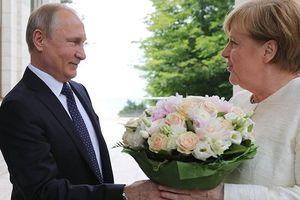 Tổng thống Nga Putin chúc mừng sinh nhật người phụ nữ đặc biệt