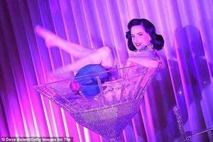 Vũ nữ thoát y nổi tiếng tiết lộ: 'Làm việc là vì có trách nhiệm với phái đẹp'