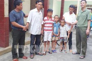 Ba cháu bé ở Nghệ An nghi bị bắt cóc được bàn giao cho gia đình