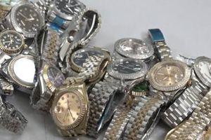 Hơn 1.800 sản phẩm hàng hóa giả mạo nhãn hiệu
