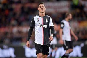 'Máy bay' bốc lửa hé lộ sở thích kỳ dị của Ronaldo