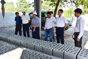 Thừa Thiên Huế: 'Biến' rác thải xây dựng thành cát, sỏi