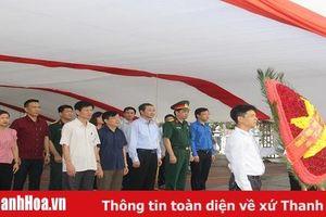 Đoàn Đại biểu tỉnh Thanh Hóa viếng Nghĩa trang liệt sĩ Việt – Lào tại tỉnh Nghệ An