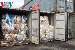 Campuchia phát hiện nhiều container rác thải nhập lậu từ nước ngoài