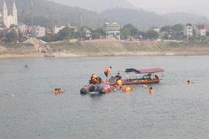 Bơi vào vùng nước xoáy, 4 thanh niên chết đuối trên sông Đà