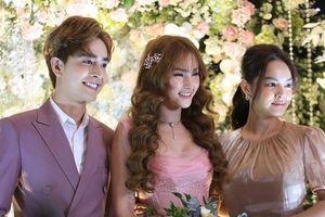 Đông đảo sao Việt đội mưa dự đám cưới Thu Thủy và chồng kém tuổi