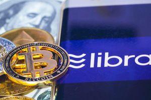 Libra của facebook dính bão, Bitcoin lao dốc