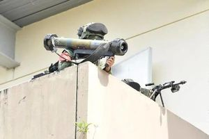 Đặc nhiệm Mỹ - Singapore tập trận vượt qua bãi mìn tiêu diệt kẻ thù