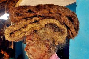 Dị nhân Ấn Độ không cắt tóc, gội đầu suốt 40 năm, biết lý do ai cũng sốc