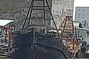Kiên Giang: Hỏa hoạn thiêu rụi 3 tàu cá của ngư dân