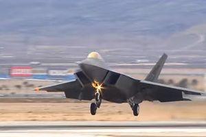 Cận cảnh 'chiến thần' F-22 giúp Mỹ giữ ưu thế trên không