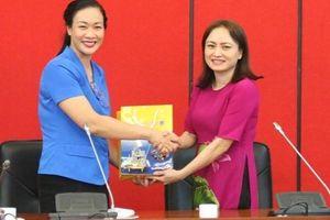 Công đoàn Y tế Việt Nam thăm và làm việc với CĐ DKVN