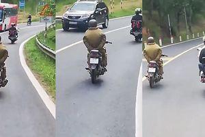 Hoảng hốt với thanh niên buông tay lái khi đổ đèo Tam Đảo