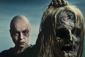 The Walking Dead 10: Michonne tử chiến với nhóm xác sống giữa biển lửa