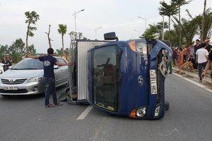 Gây ra 2 vụ tai nạn trên đường ở Hà Nội, tài xế xe Ford EcoSport bỏ trốn