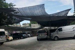 Quận Hoàng Mai: Bao giờ xử lý dứt điểm hàng loạt bãi xe không phép?