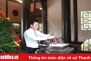 Đoàn đại biểu dự Đại hội MTTQ Việt Nam tỉnh Thanh Hóa lần thứ XIV dâng hương viếng Chủ tịch Hồ Chí Minh