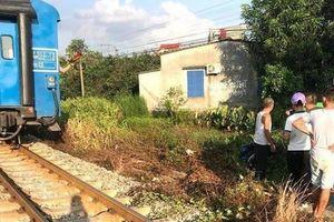 2 nữ sinh vừa đỗ lớp 10 tử vong thương tâm khi băng qua đường sắt