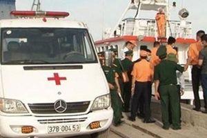 Tìm thấy 2 thi thể thuyền viên mất tích nơi tàu cá Nghệ An bị đâm chìm