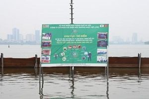 Nước hồ Tây đổi màu nhờ công nghệ Nhật Bản