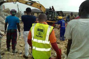 Nhà xuống cấp sụp đổ ở Nigeria: 12 người tử vong